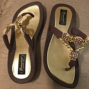 Grandco Sandals Leopard Print Brown with Gold 6